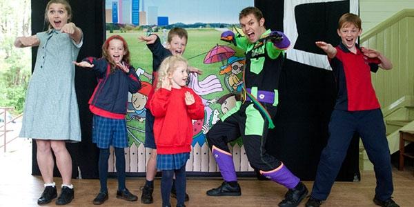 b2ap3_thumbnail_Brainstorm-productions-theatre-for-schools.jpg